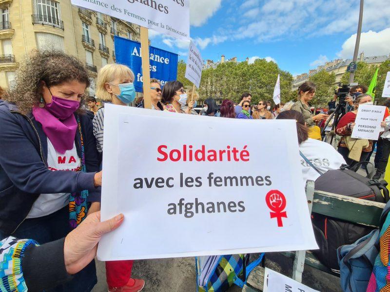 pancarte Solidarité avec les femmes afghanes